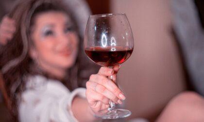 La fanno ubriacare e poi abusano di lei: arrestato 47enne cremonese