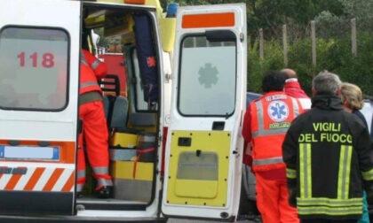 Tamponamento a catena sulla Statale 10: coinvolti due camion e due auto, 5 feriti