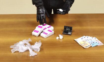 Tagliava la coca con la Tachipirina: arrestato pusher 60enne