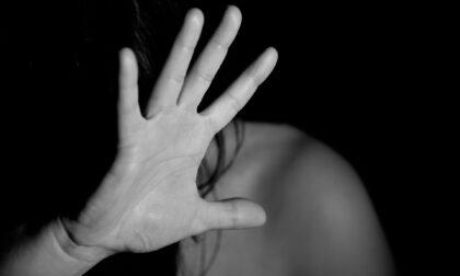 Maltratta la convivente e il figlio di 4 anni, allontanato dalla casa familiare