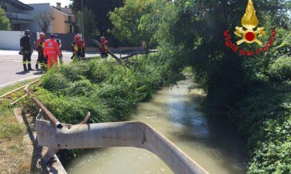 Tragedia a Codogno: nonno a passeggio con la nipotina muore cadendo in un canale