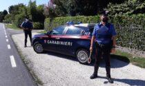 Tenta il furto in una casa, fermato dai Carabinieri: ora si cerca il complice