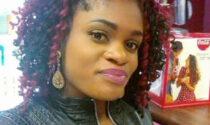 Uccisa a colpi di pistola davanti agli occhi delle colleghe: si cerca il marito-killer