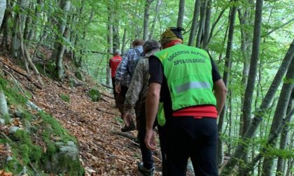 Perdono l'orientamento mentre cercano funghi: due cremonesi salvati dal Soccorso Alpino