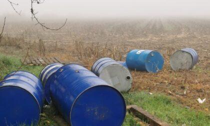 Fusti ad alto potenziale inquinante ritrovati in un campo di Soresina