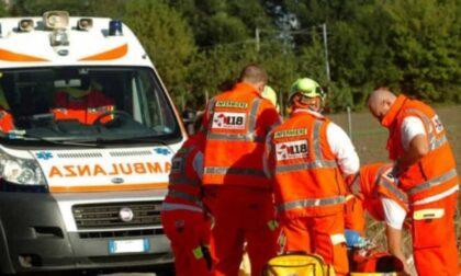 Schianto a Pieve d'Olmi, tre auto finiscono fuori strada: due feriti gravissimi